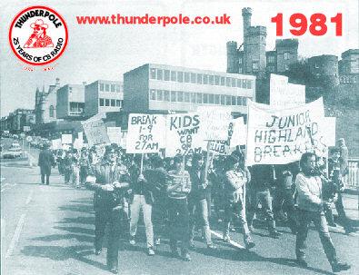 1981. Marcha de cebeístas en Edimburgo deseando el reconocimiento legal del uso de la Banda Ciudadana