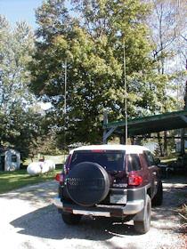 Antena CB de látigo en una pick-up.