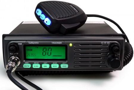 Transceptor móvil de CB27 con AM/FM (foto cortesía 9Neuner)