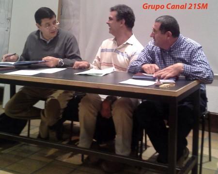 Miembros del Grupo Canal 21 Sierra de Madrid en asamblea