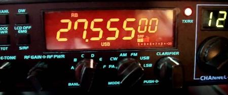Elfreebanding(uso de frecuencias no autorizadas) es una práctica ilegal, aunque tolerada.