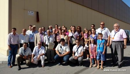 Asistentes al descubrimiento de la placa de la calle Radioaficionado de San Roque (Cádiz) en septiembre de 2008.