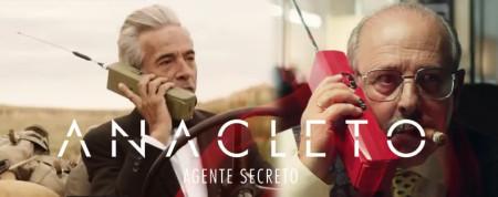 Anacleto hace uso de la CB para dar novedades (© Warner Bros)