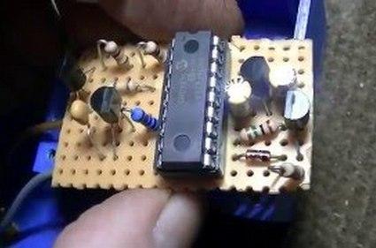 Dispositivo para operar con repetidores en semidúplex.