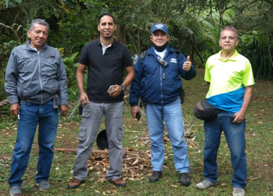 Equipo Canal 13 CB27 Cali Colombia